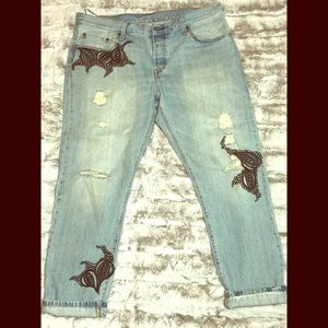 Levi's 32x32 Custom designed Distressed Crop Jean